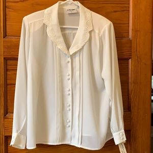 Alfred Dunner sheer white Button Down